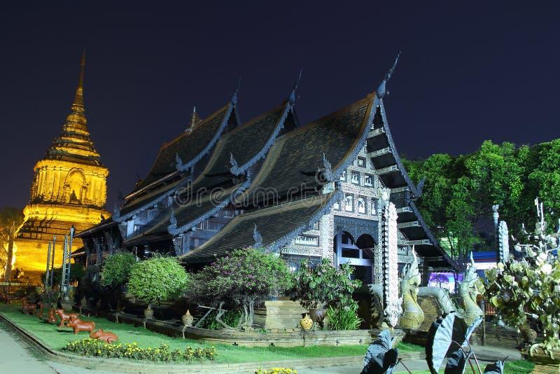 Tempel gammal trätempel av Wat Lok Molee Chiang mai Thailand, tempel Thailand royaltyfri fotografi
