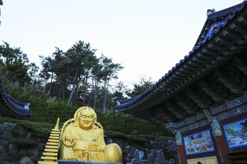 Tempel Haedong Yonggungsa in Busan, Südkorea stockfotos