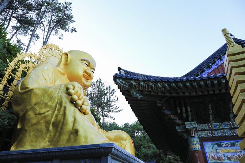 Tempel Haedong Yonggungsa in Busan, Südkorea lizenzfreie stockfotos