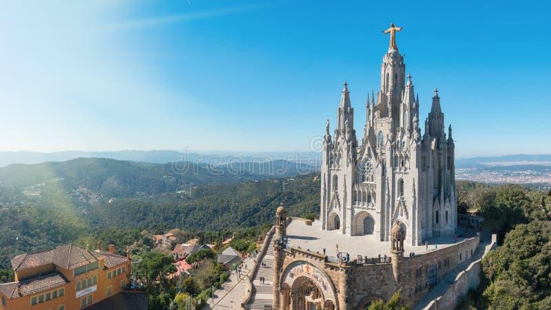 Tempel Heilig Hart van Jesus op Onderstel Tibidabo op achtergrond van blauwe hemel, Barcelona, †‹â€ ‹Spanje royalty-vrije stock fotografie