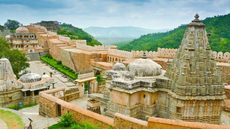 Kumbhalgarh Forttempel arkivfoto