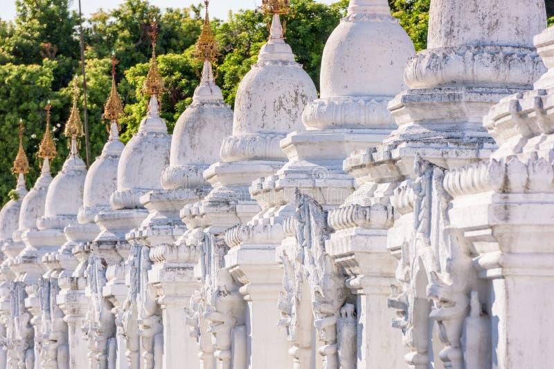 Tempel i Mandalay fotografering för bildbyråer