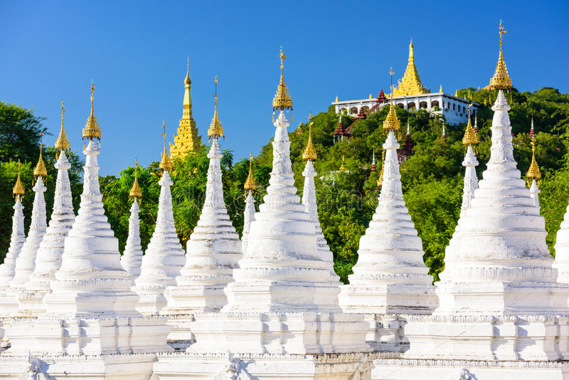 Tempel i Mandalay arkivfoto