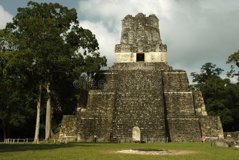 tempel ii royaltyfri bild