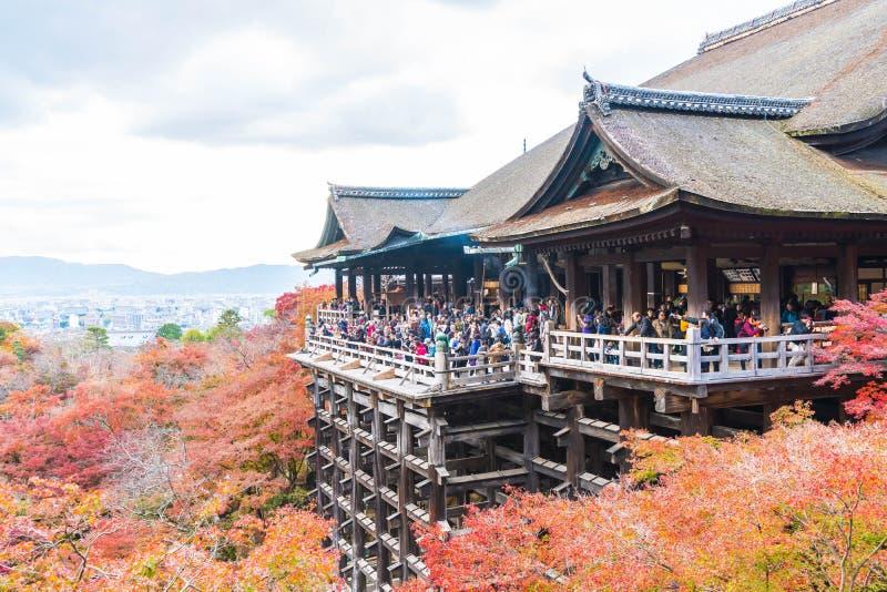 Tempel Kiyomizu oder Kiyomizu-dera in autum Jahreszeit in Kyoto stockbild
