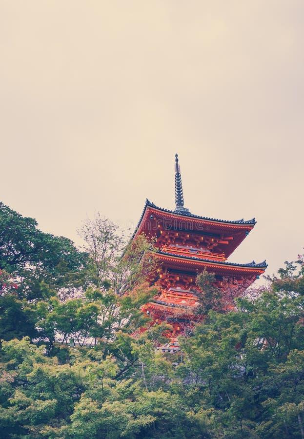 Tempel Kiyomizu oder Kiyomizu-dera in autum Jahreszeit in Kyoto Japan lizenzfreies stockbild