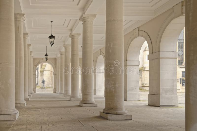 Tempel london, England: kolonnadpelare arkivfoto