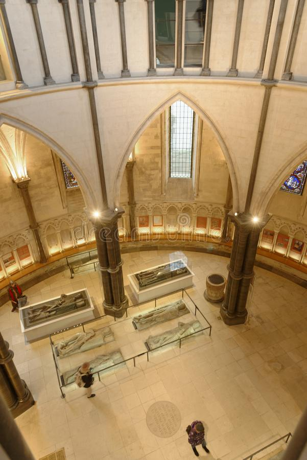 Tempel london, England: Sarchophagus i tempelkyrkan, London arkivfoton