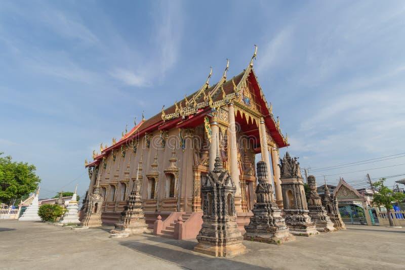 Tempel met pagode en hemelachtergrond stock foto's