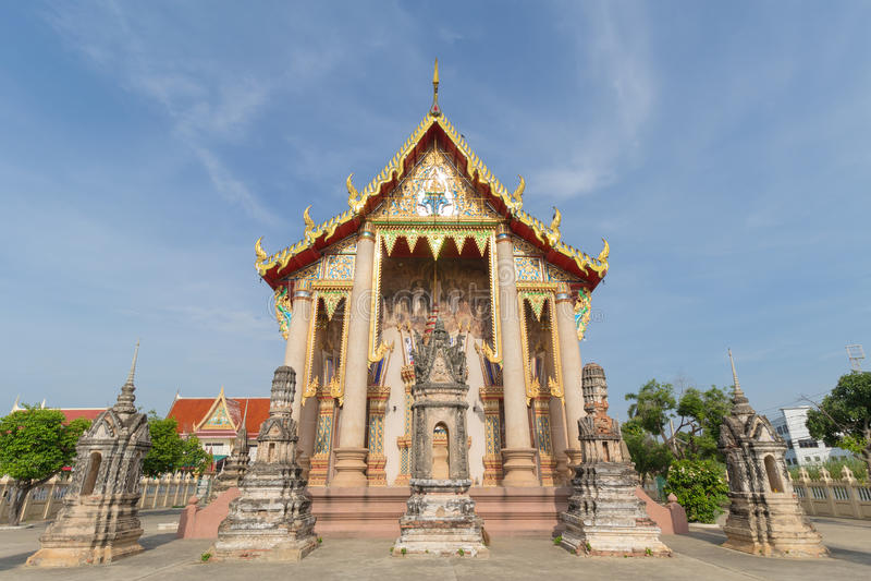 Tempel met pagode en hemelachtergrond royalty-vrije stock foto's