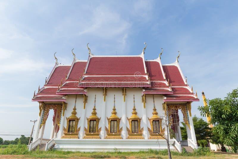 Tempel met pagode en hemelachtergrond stock foto