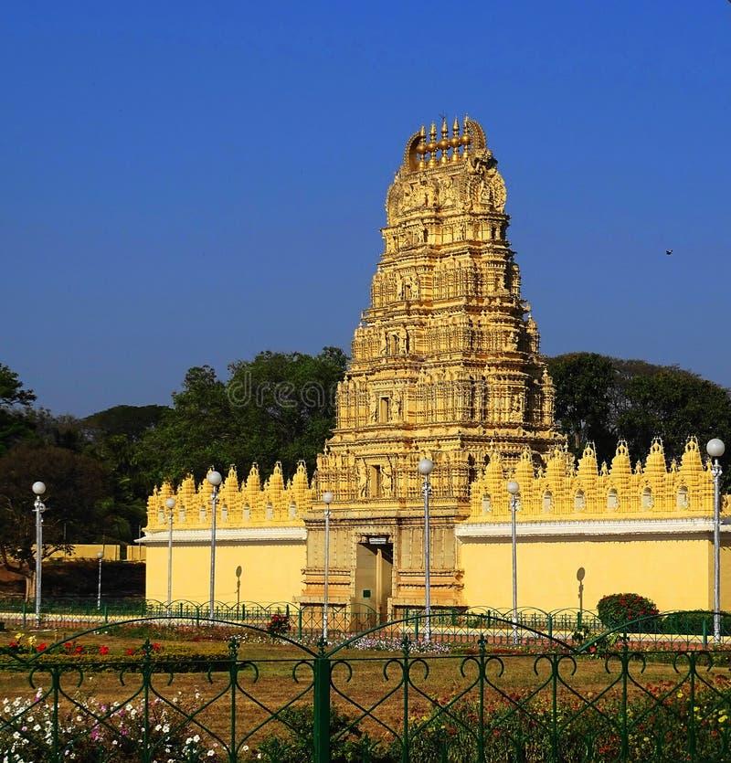 Tempel mit indischem Südarchitekten lizenzfreie stockfotografie