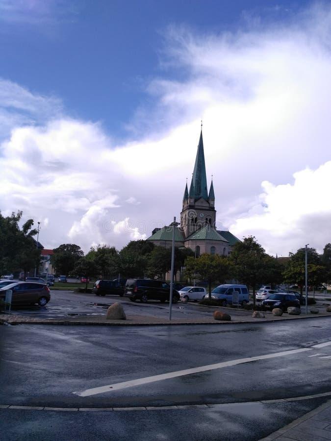 Tempel mit Wolken, Frederikshavn lizenzfreies stockfoto