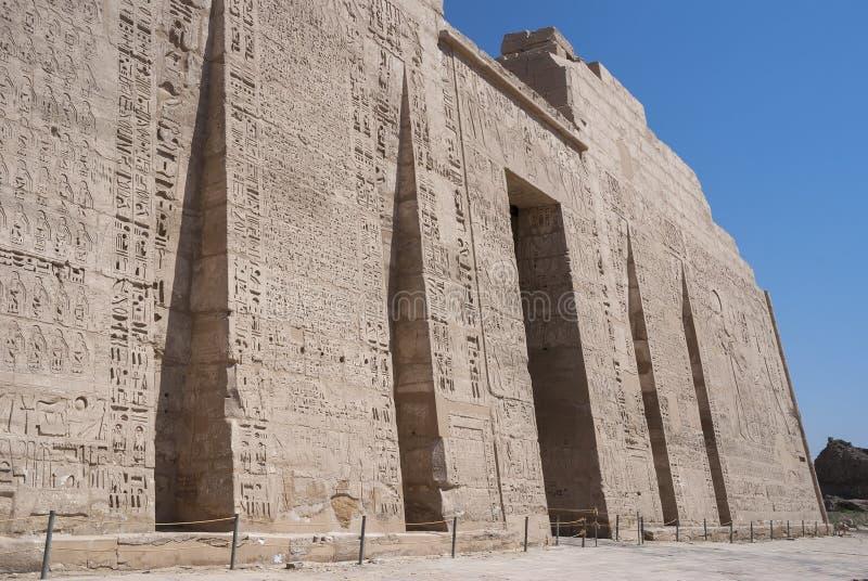 Tempel på medinathabuen royaltyfria bilder