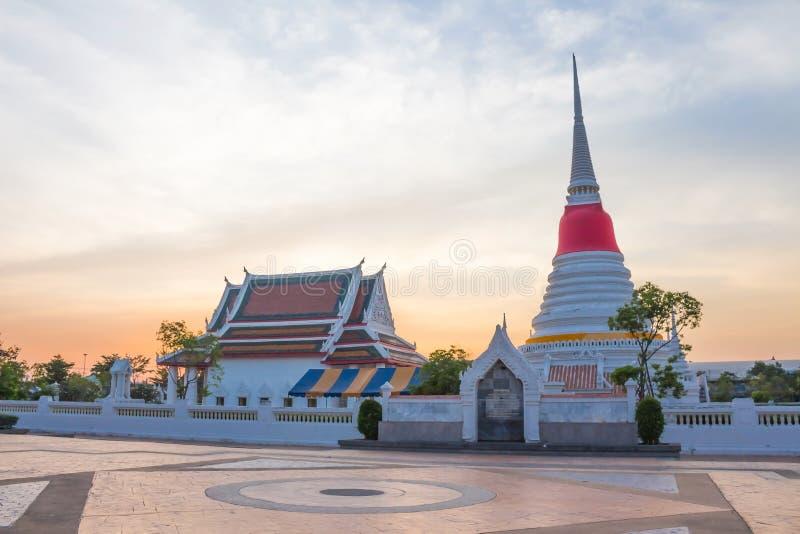 Tempel Phra Samut Chedi, Thailand lizenzfreie stockbilder