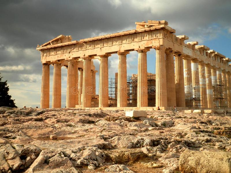 Tempel-Ruinen in Athen stockfoto