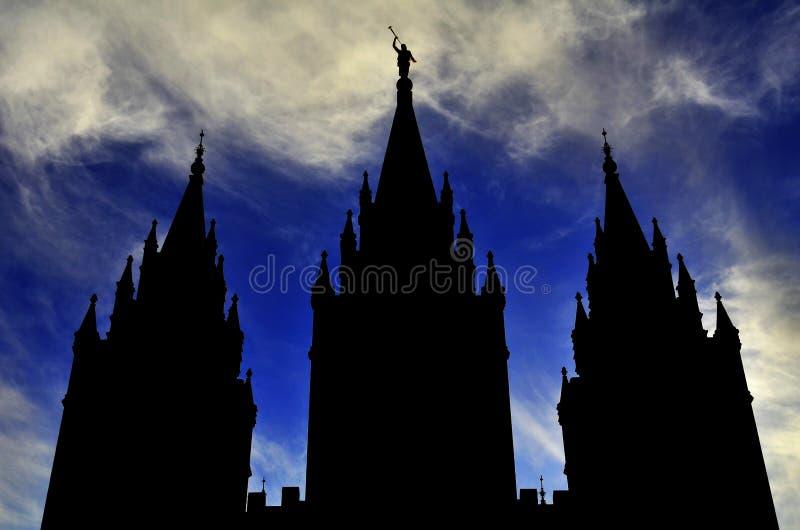 Tempel-Schattenbild-Himmel lizenzfreie stockbilder