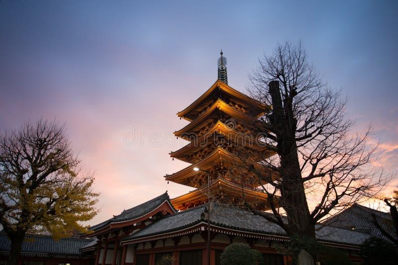 tempel tokyo f?r senso f?r asakusajapan ji arkivfoto