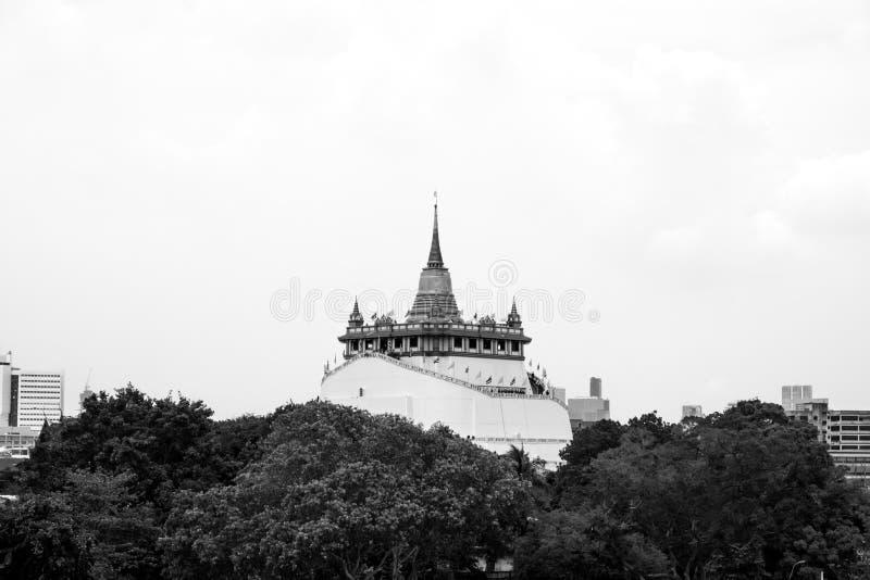 Tempel van de Gouden Berg of Wat Saket met zwart-witte toon stock afbeeldingen