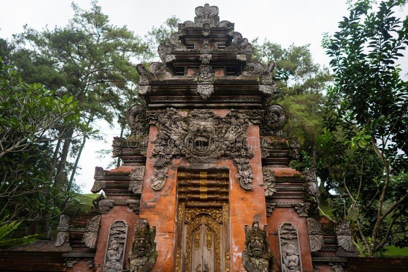 Tempel van de heilige lentes in Bali stock afbeelding