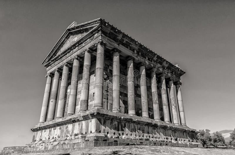 Tempel van Garni in Armenië in zwart-wit wordt geschoten die stock afbeelding
