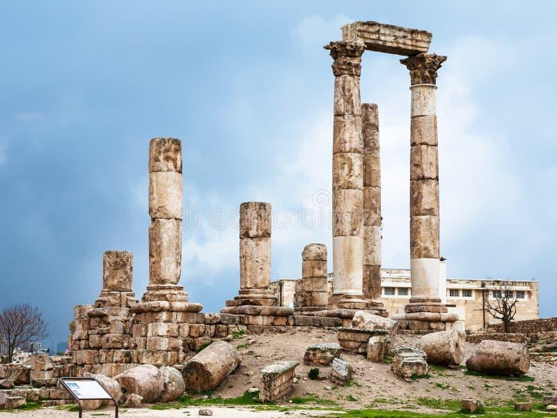 Tempel van Hercules bij Amman Citadel in de winter stock foto's