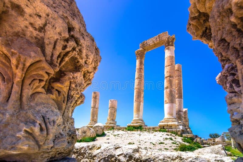 Tempel van Hercules bij Amman Citadel in Amman, Jordani? stock afbeeldingen