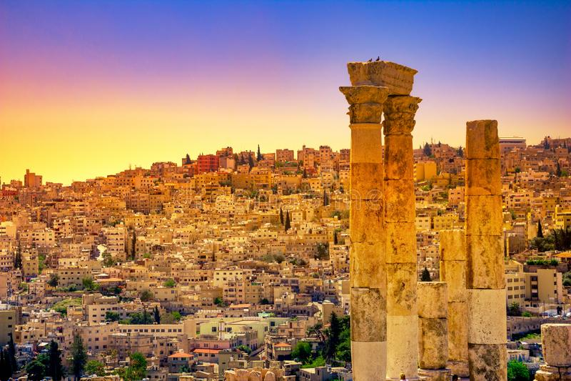 Tempel van Hercules bij Amman Citadel in Amman, Jordani? stock foto's