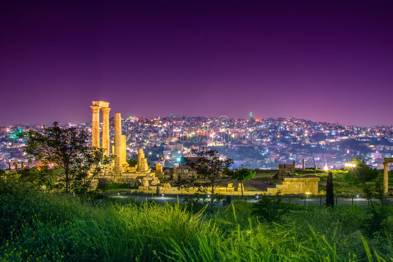 Tempel van Hercules bij Amman Citadel in Amman, Jordani? stock foto