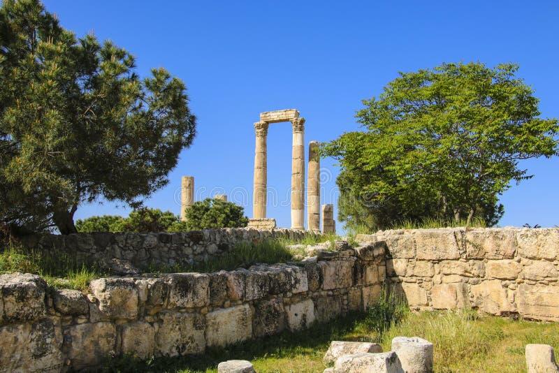 Tempel van Hercules van de Amman Citadel complexe Jabal al-Qal ` a stock afbeelding