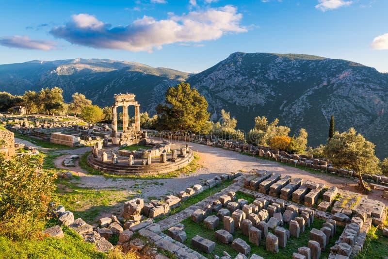 Tempel von Athena Pronaia in altem Delphi, Griechenland stockfotografie