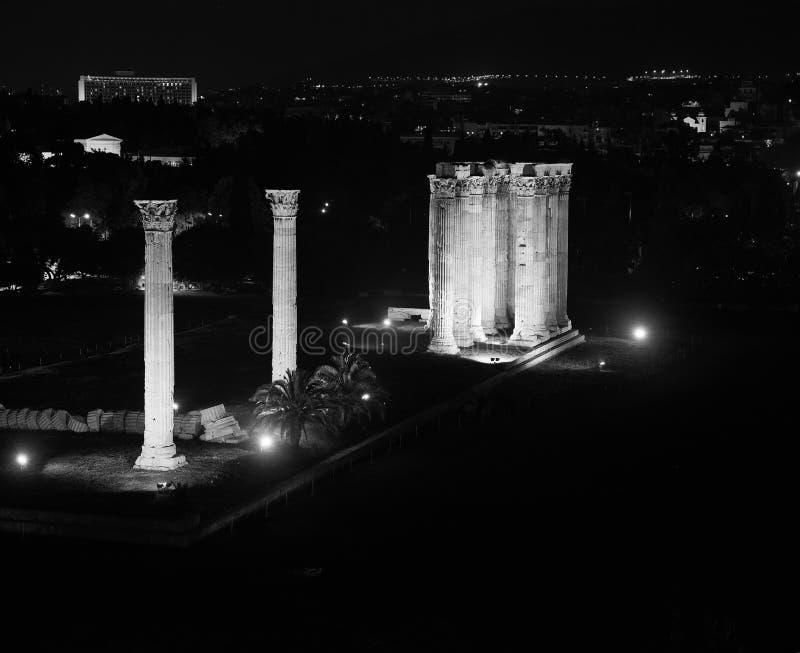 Tempel von Zeus nachts lizenzfreies stockfoto