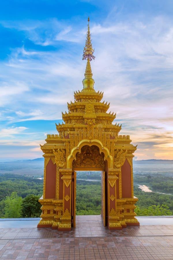 Tempel Wat Pra That Doi Pra Chan Mae Tha fotografering för bildbyråer