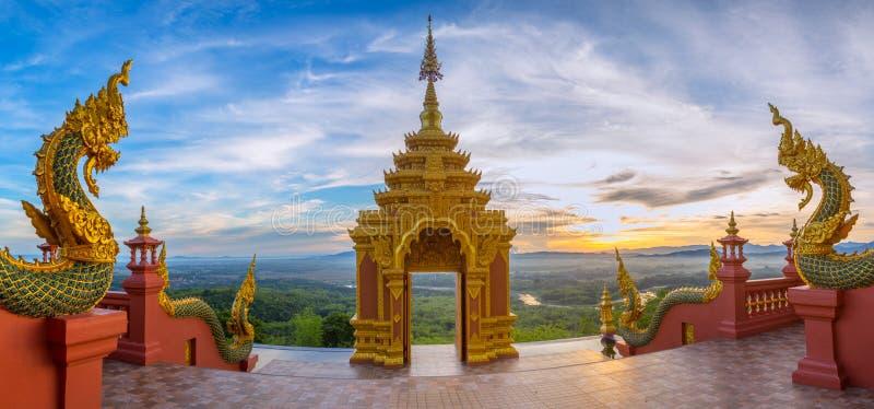 Tempel Wat Pra That Doi Pra Chan Mae Tha arkivbilder