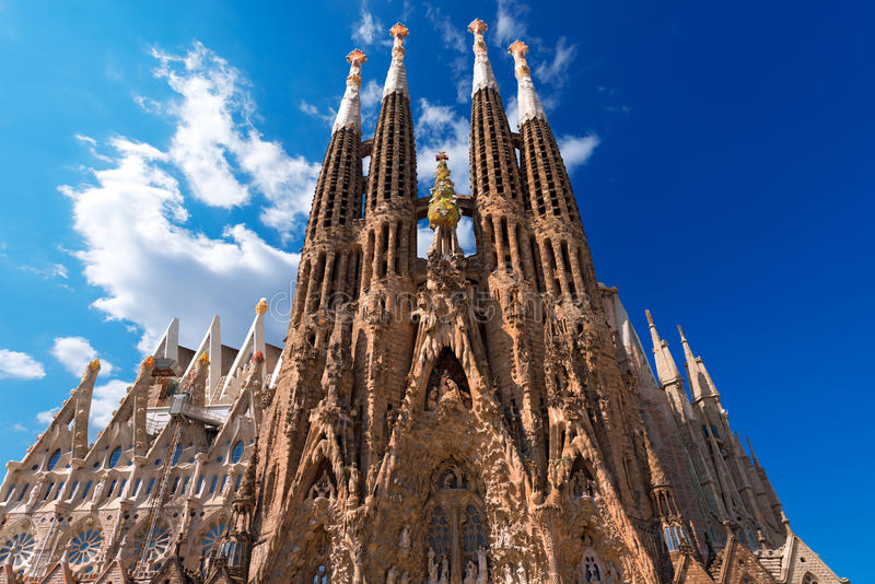 TempelExpiatori de la Sagrada Familia - Barcelona Spanien royaltyfri foto