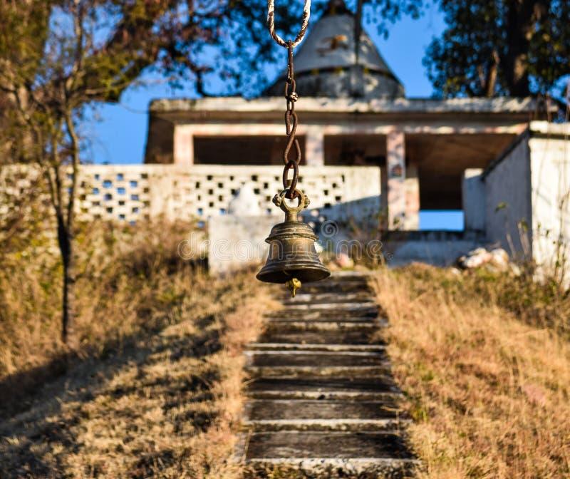 Tempelglocke mit Tempel auf die Oberseite stockfotos