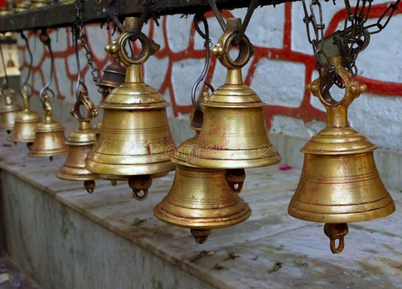 Tempelglocken, Nepal lizenzfreie stockfotos