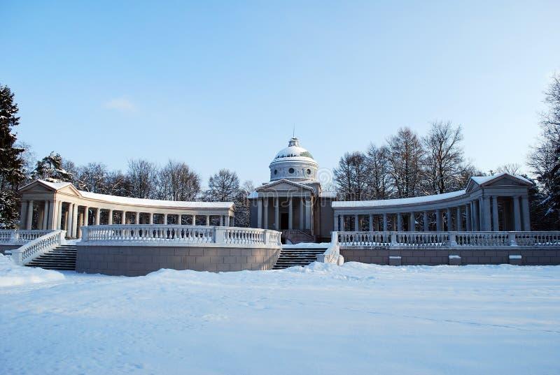 Tempelgrab Yusupov 'im Zustand Arkhangelsk-Park lizenzfreies stockbild