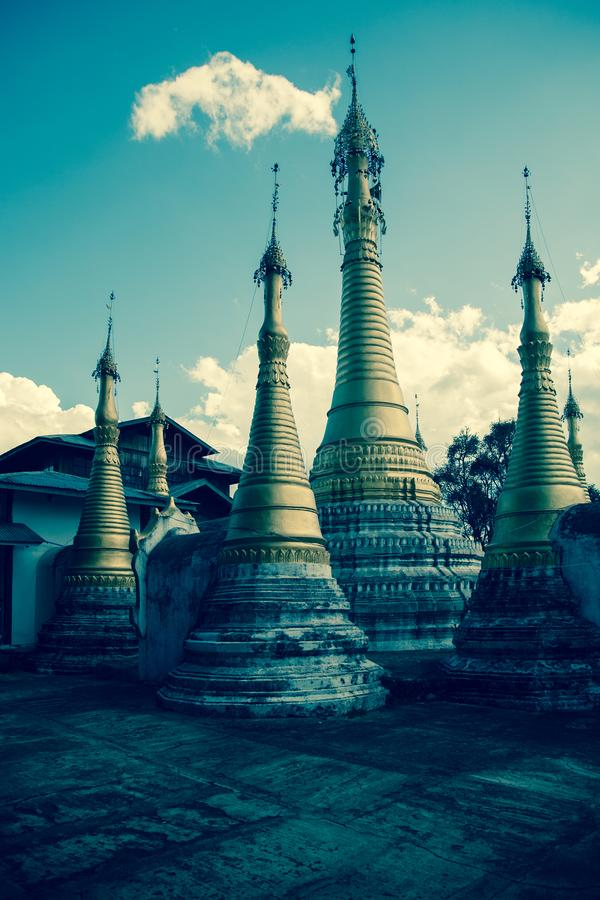 Tempelkomplex, Inle See, Birma lizenzfreies stockbild