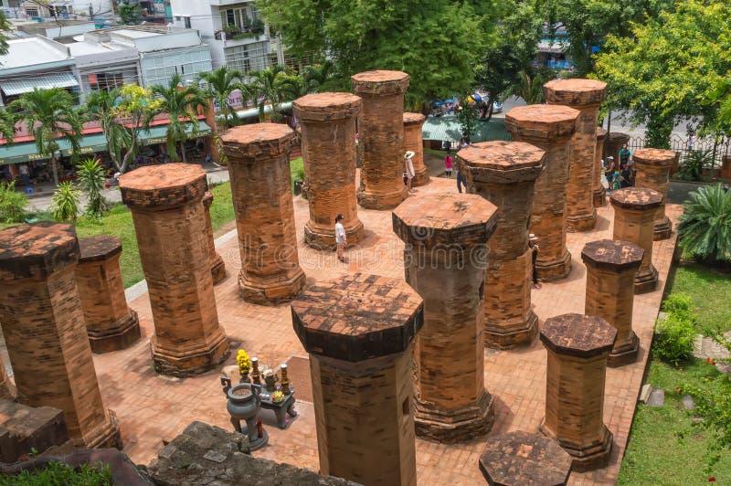 Tempelkomplex Po-Nagar arkivfoton