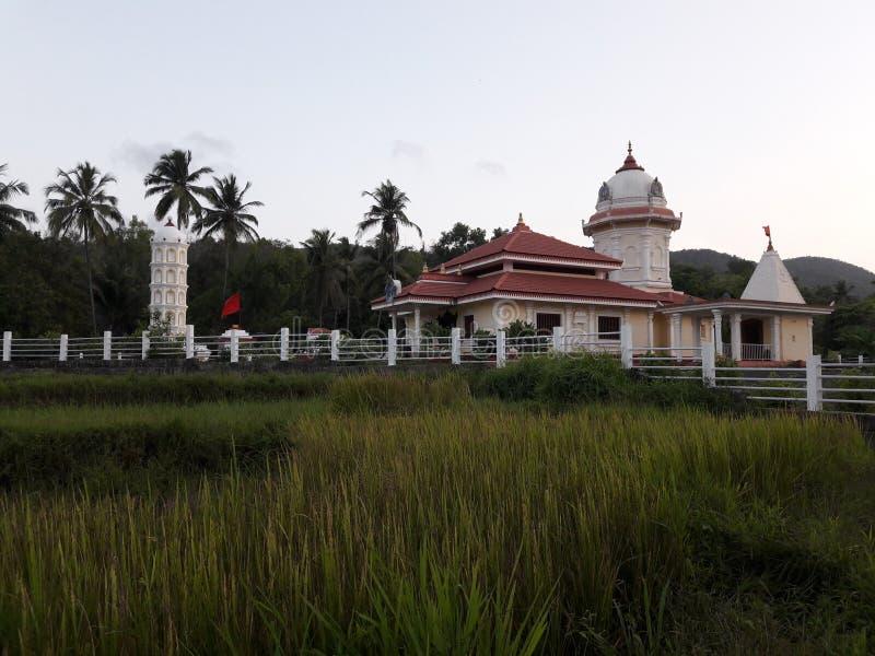 Tempelpic in goa met mooie mening stock afbeeldingen