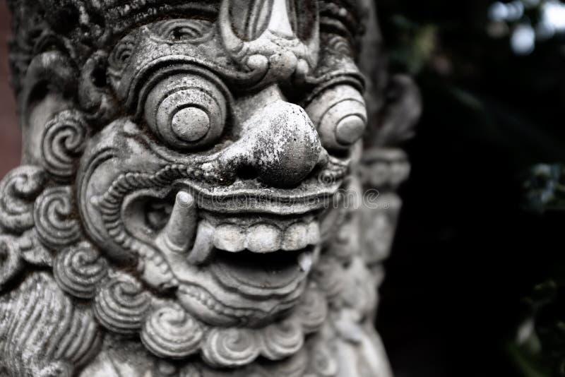 Tempelportförmyndare Dvarapala, Bali royaltyfri bild