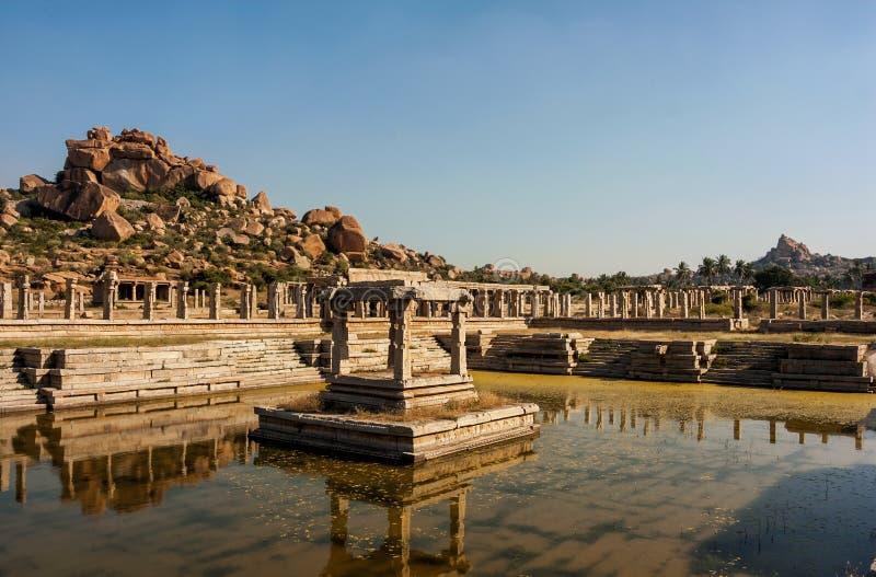 Tempelruïnes in Hampi royalty-vrije stock afbeeldingen