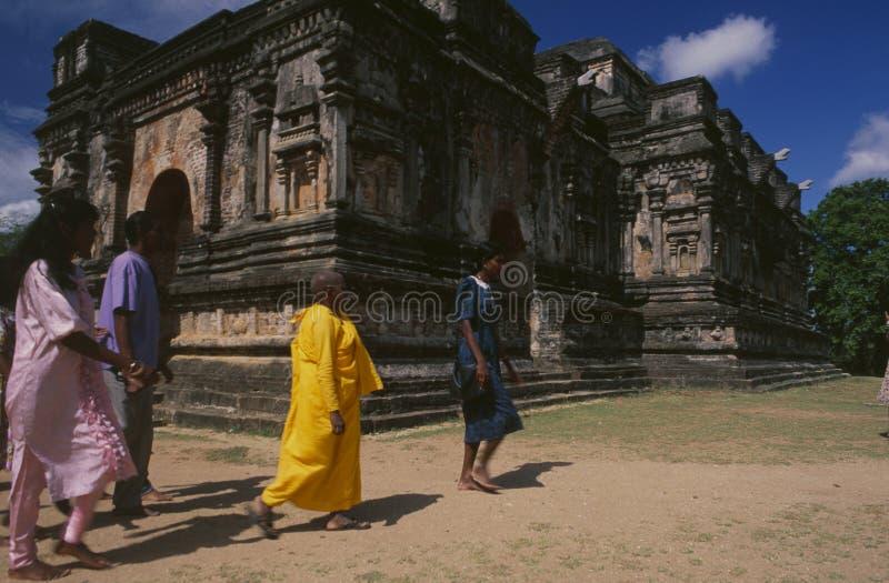 Tempelruines van de oude koningsstad Polonnaruwa op Sri Lanka stock foto's