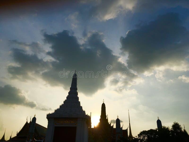 Tempelschattenbildszene stockbild