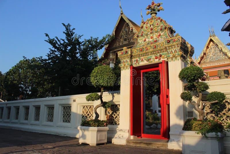 Tempeltür stockfoto