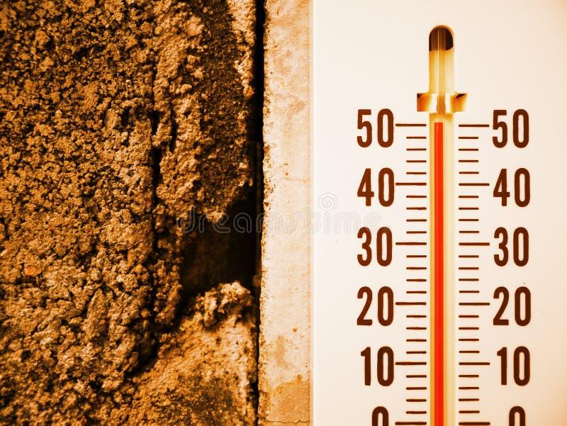 Temperatur för Closeuptermometervisning i celsiusa grader arkivfoto