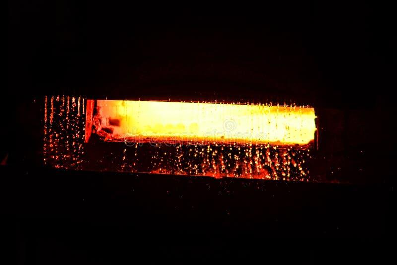 Temperatura elevata nel forno di fusione immagini stock