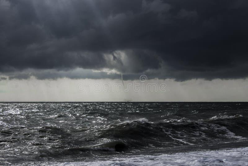 Tempesta al mare immagini stock libere da diritti