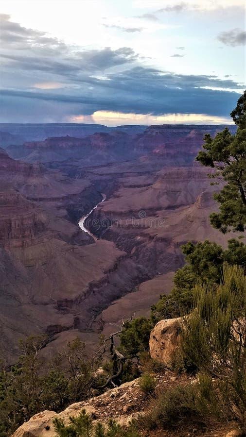 Tempesta crepuscolare nel verticale di Grand Canyon fotografia stock libera da diritti